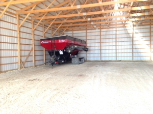Here you see the Demco 1350 grain cart... all clean and parked in the back of the big storage barn.  It will remain there until the next harvest season!