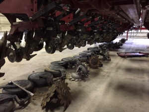 Here you see one side of the planter with the removed parts lying on the shop floor beneath.